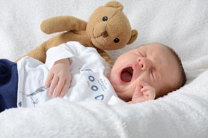 ab wann schlafen babys durch